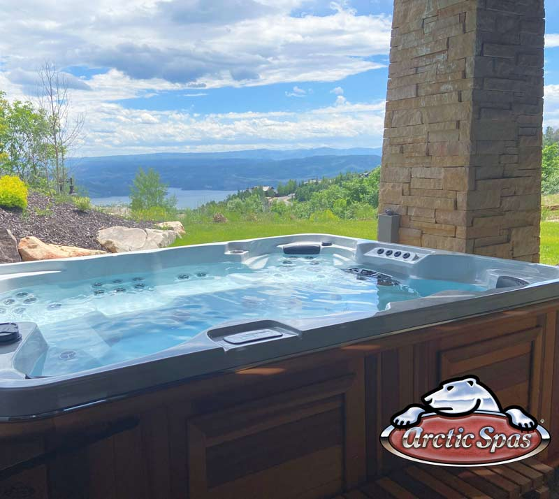 Jeff's new hot tub Summit XL