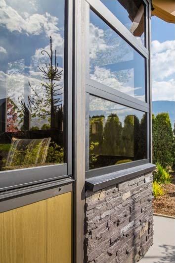 gazebo door and windows